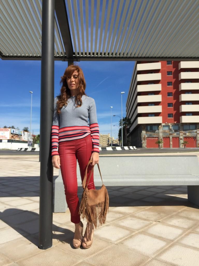 IMG_7173 looks con pantalones rojos