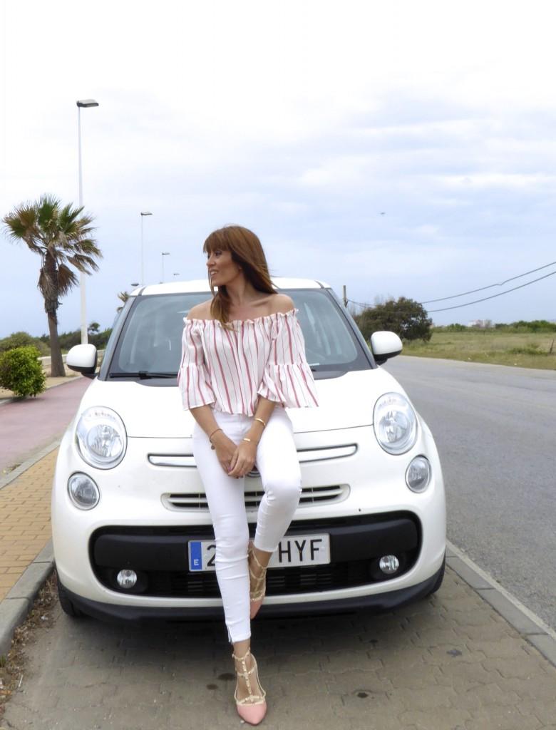 jessica sanchez, personal shopper, looks con pantalón blanco
