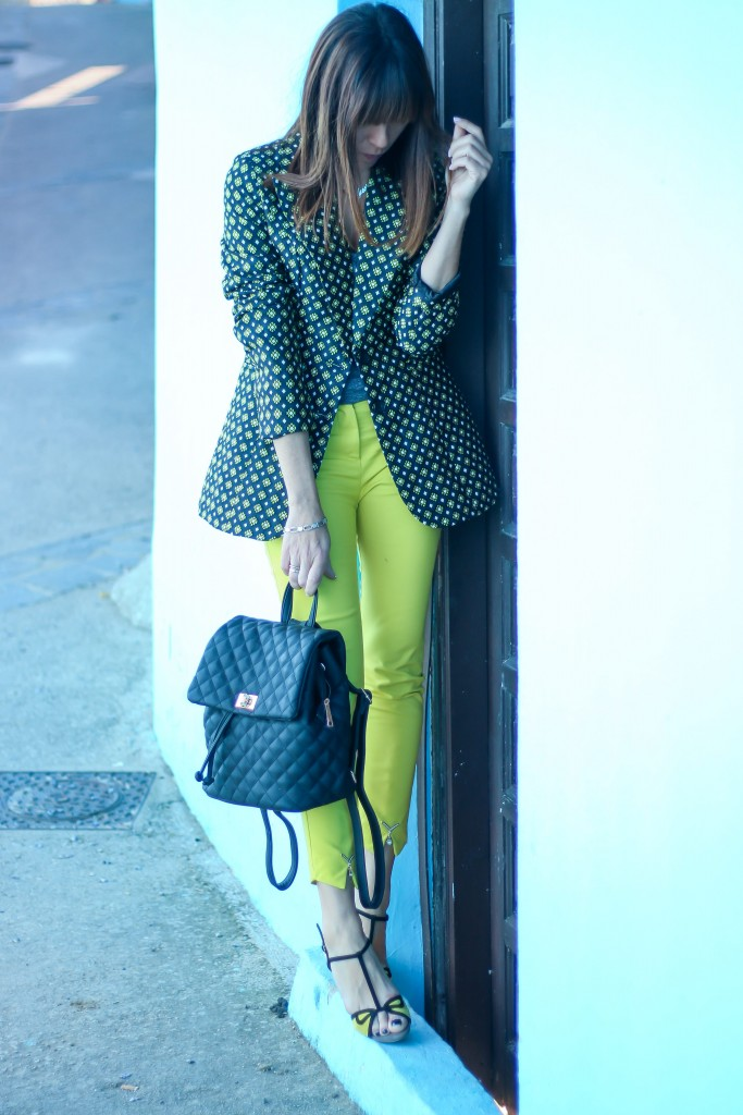 looks con blazer, look con pantaloon amarillo, blog de moda, tendencias,
