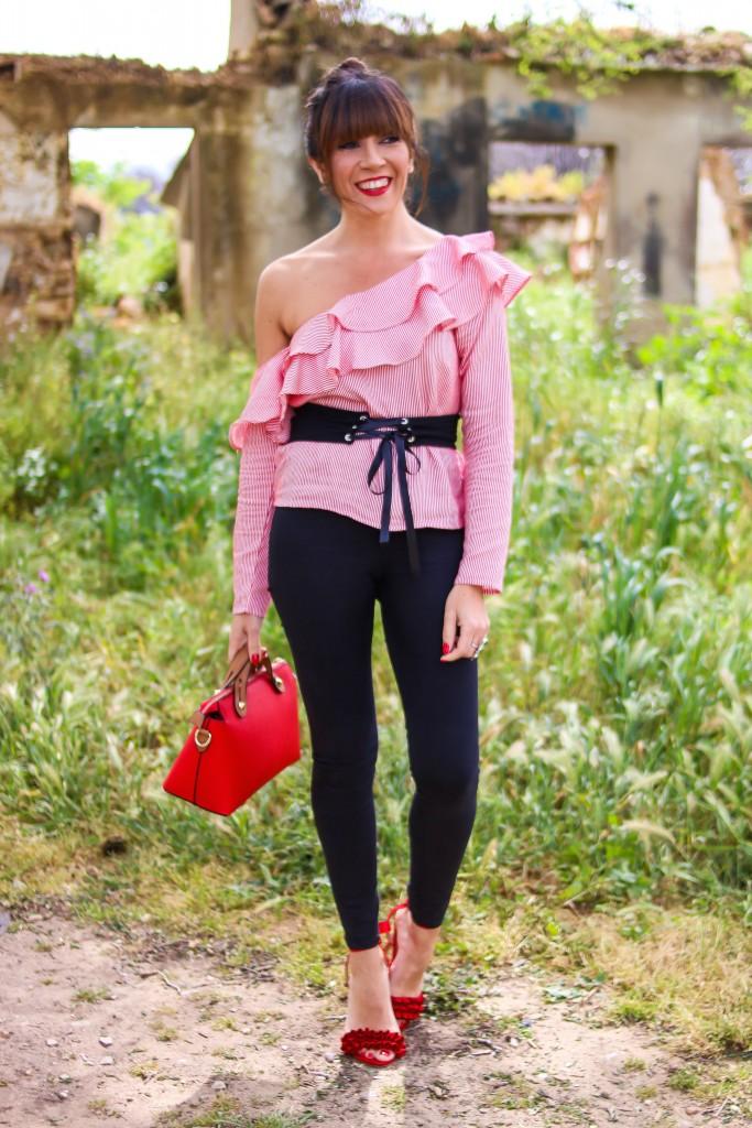 blog de moda, tendencias, jessica sanchez,volantes, corsé,