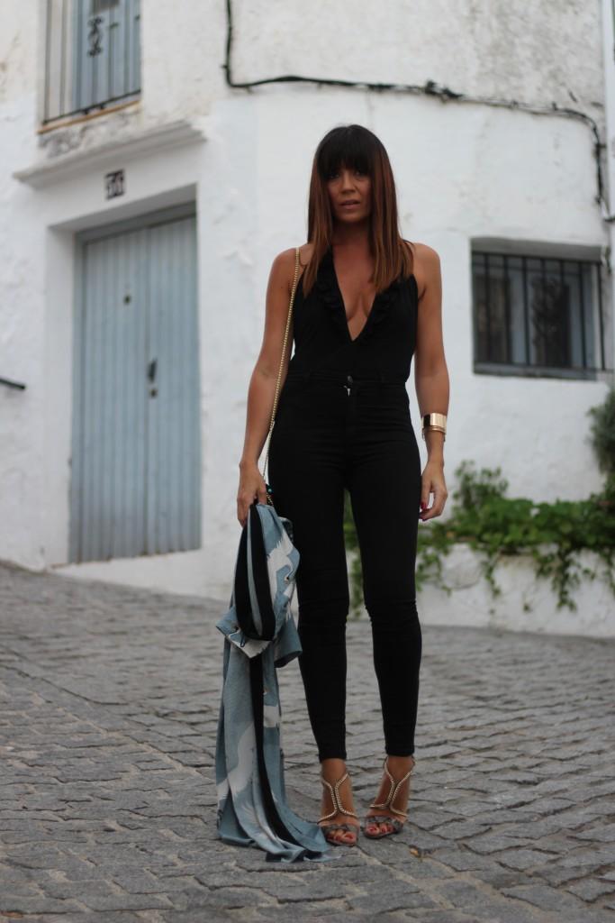 jessica sanchez, asesora de imagen, total black, como vestir, moda, tendencias,